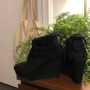 Suede black wedge bootie